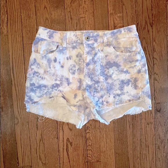 Sz 12 Mom Jean Highrise Denim Shorts *Watercolor*